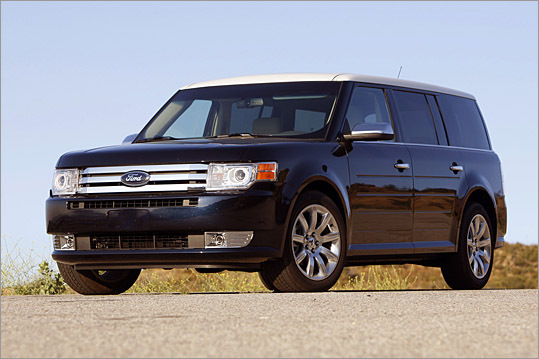 The 2009 Ford Flex has commendable sight lines as well as a vast interior, and it gets pretty good gas mileage too.