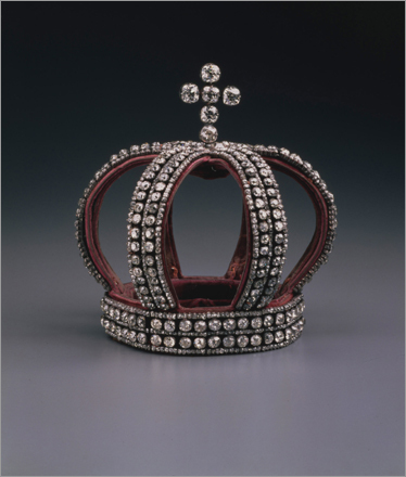 From St. Petersburg, Russia, comes this nuptial crown from 1884. Constructed from silver, diamonds, and velvet, the crown was worn by the last Russian empress, Alexandra, on her wedding day.