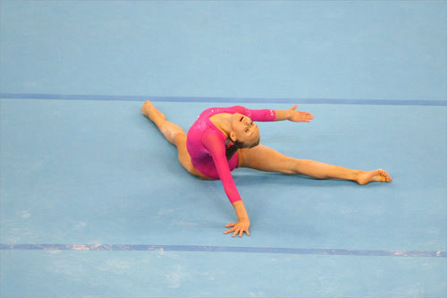 Nastia Liukin of the United States did a split during her floor exercise.