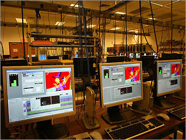Avid Technology Inc. Mass. location: Tewksbury Total US employees: 2,700 Number of announced Mass. job cuts: 54 The leading maker of professional audio and video editing software announced Oct. 15 that it planned to lay off 15 percent of its workforce &#8212; 410 positions &#8212; nationwide, <A href='http://www.boston.com/business/technology/articles/2008/10/24/avid_plans_to_cut_410_jobs_sell_3_d_unit/ '>according to Globe . It also said it will dismiss 90 contract workers, and sell its Softimage 3-D game animation software business.