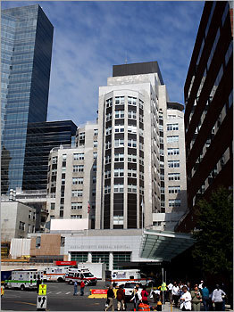 Massachusetts General Hospital Mass. location: Boston Total Mass. employees: 21,000 Number of announced job cuts: 200 According to the Globe , Massachusetts General Hospital announced Sept. 17 that it planned to cut 1 percent of its workforce. However, for fiscal 2009, fewer than 20 were expected to be laid off.