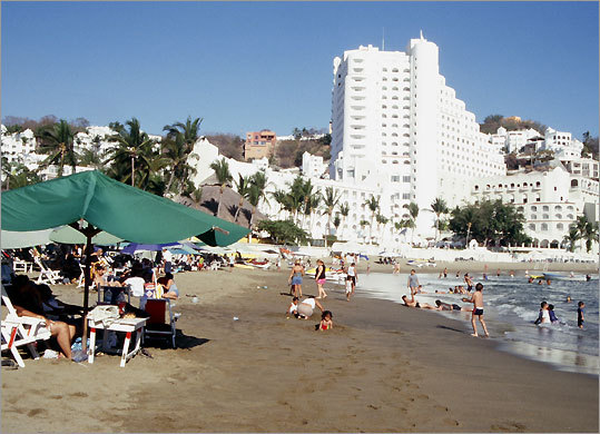 Decades after ''10'' was filmed on La Audiencia Beach, Manzanillo has many more tourists and many more accommodations.