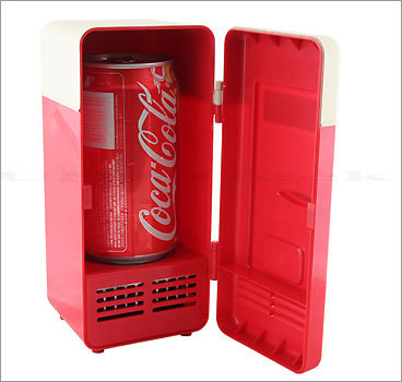 USB Mini Cooling Fridge