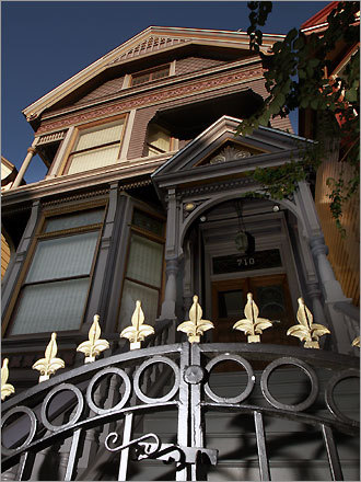The ''Grateful Dead House'' is a three-story Victorian at 710 Ashbury St. Jerry Garcia and bandmates Bob Weir and Ron ''Pigpen'' McKernan lived there during the 1967 Summer of Love.