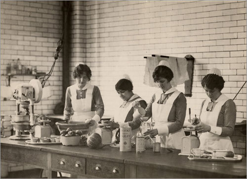 1926: Cooks preparing meals for patients with special dietary needs.