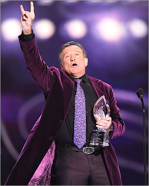 Actor Robin Williams won the award for favorite scene stealing guest star during the 35th Annual People's Choice Awards held at the Shrine Auditorium in Los Angeles on Jan. 7, 2009.