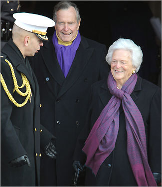 Former president George H.W. Bush with wife Barabara Bush at the inauguration ceremony.