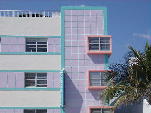 South Beach along Ocean Drive in 2007.