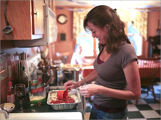 Nicole Stefanelli prepares lasagna