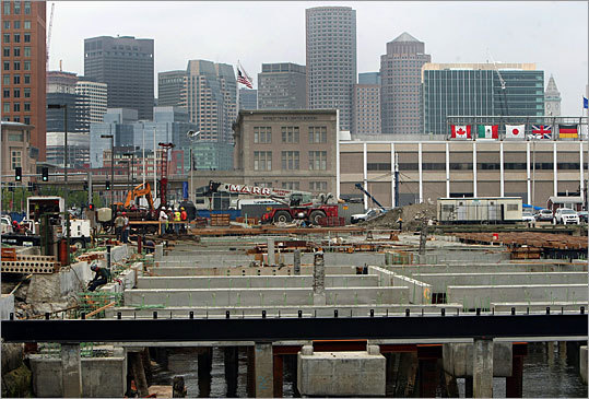 Another look at the state of the site in July 2009, where Legal Sea Foods would soon live. Three buildings would occupy the new spot.