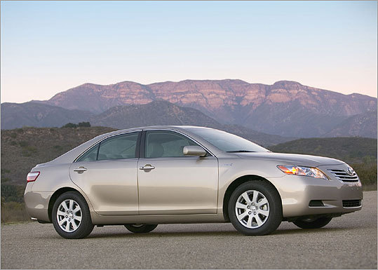 Price (2010 model): $19,395 to $26,150 Est. MPG: 22 city/ 33 highway ( Source: Toyota )