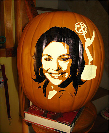 We bet cooking maven Rachel Ray is thrilled to be on a pumpkin. She has recipes for roasted pumpkin penne with autumn pesto and pumpkin pudding on her website, after all.