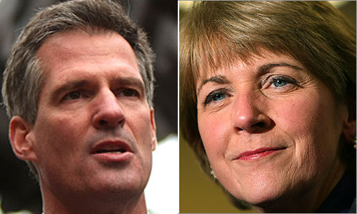 Republican Scott Brown and Democrat Martha Coakley, the two major US Senate candidates, are running virtually even as Tuesday's election approaches. In an effort to get every last vote, the two candidates have been cramming in campaign stops in the final days, including star-studded appearances featuring big-name luminaries.
