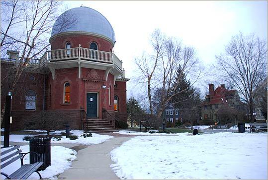 4. Brown University Location: Providence, R.I. 2009 endowment size: $2.02 billion 2008 endowment size: $2.75 billion Endowment change: -26.6 percent Endowment rank (national): 24