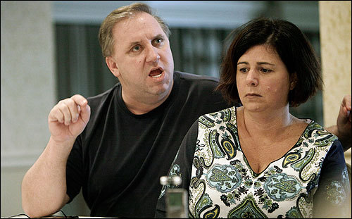 Leonard Gengel and his wife, Cherylann, right, spoke during an interview in Deerfield Beach, Fla., a week after the quake. The family had been told their daughter was found alive, only to be later told the report was untrue.