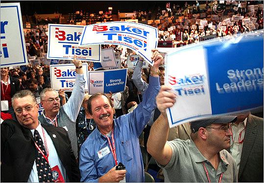 Delegate Mark Heyda (center) of Lynnfield led the cheer.