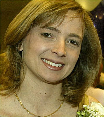 2009 iRobot Corp. co-founder Helen Greiner (pictured) gets first funding to develop flying surveillance bots for military, police, and industrial applications, through her new start-up CyPhy Works Inc.