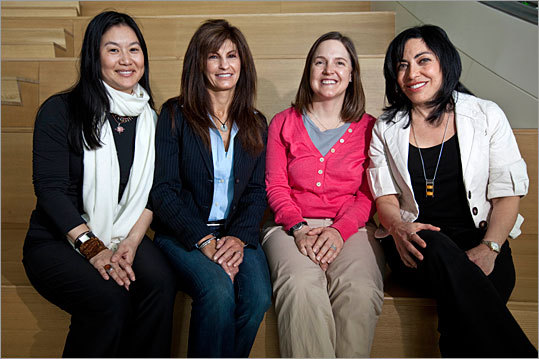 Women hold about a quarter of the jobs in the computing industry, and they make up about the same percentage of the employee base at Redmond, Wash.-based Microsoft Corp. But the leadership of Microsoft's 300-person Cambridge outpost, which began taking shape three years ago, is entirely female.