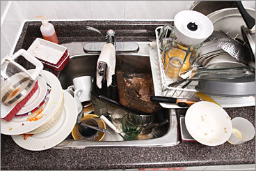 Pet Peeve: Leaving behind a mess The No. 1 pet peeve is as widespread as it is easy to fix: 44 percent of those surveyed said the most annoying kitchen situation is when co-workers make a mess for others to clean up.