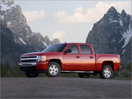 3. Chevrolet Silverado 1500 Crew Cab Theft odds: 1 in 125 Avg. payout per claim: $6,814 Base price: $25,370