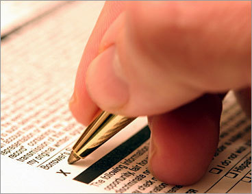5. Know your interest rate before signing Many college loan lenders practice tiered pricing, which means the low advertised interest rate only goes to borrowers with the highest credit score. Before you sign on the dotted line, be sure to know exactly the interest rate you will get, and if there is an interest rate cap.