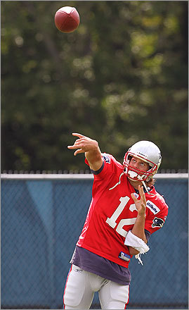 Brady worked on his throw during the afternoon practice.