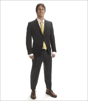 Men What not to wear A suit will not look professional unless it fits properly. These pants are too short and shirt sleeves are too long, making the candidate look sloppy. Always top off a suit with a conservative tie – not one that is too loud. Even the socks a problem here – socks should be dark and blend with the suit.