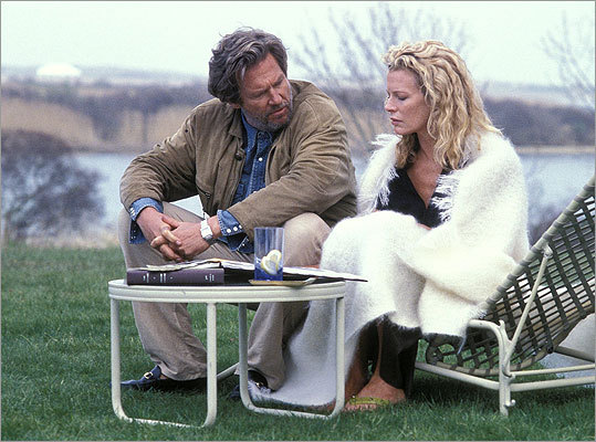 The Door in the Floor Author Ted Cole (Jeff Bridges), is a self-absorbed womanizer who consistently uses people to get what he wants.