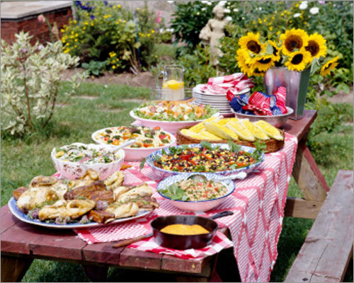 Don't leave it out Any food that has been left out for over two hours should be thrown away, Krivitsky said. However, if the temperature outside is above 90 degrees F., then food should not sit out any longer than one hour. And, don't keep anything out in direct sunlight.