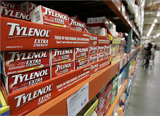 Tylenol recalled for musty odor Date: June 29, 2011 Number of units: 60,912 bottles Johnson & Johnson has recalled certain bottles of Tylenol Extra Strength pain relief medicine after receiving reports of a musty, moldy odor.