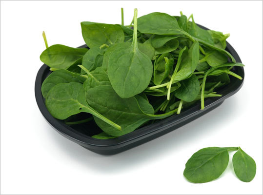 Spinach Among its health benefits: decreasing inflammation, promotion of eye, heart, and bone health, as well as protection against age-related mental decline and certain cancers. One study found that one of the flavonoids in spinach was linked with 40 percent less risk of ovarian cancer, Antinoro says. Antinoro adds that just a half-cup serving is an excellent source of vitamins A and K as well as the B vitamin folate, the minerals magnesium and manganese, and several carotenoids. There are at least 18 flavonoids plus other phytonutrients in spinach, including beta-carotene, lutein, and zeaxanthin.