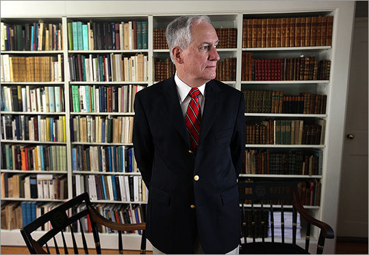 Robert Darnton, director of the Harvard University Library, and others are working to create a worldwide digital public library.