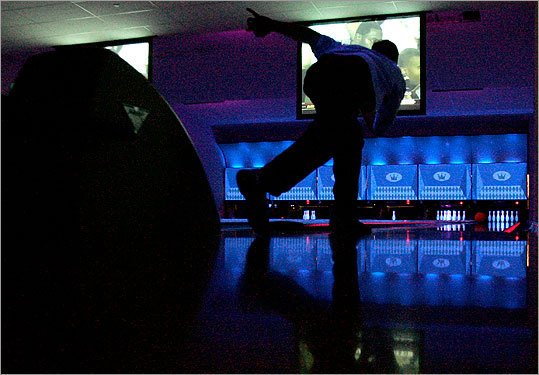 Ongoing: College Night at Kings No need to break the bank to go bowling in the city if you have a college ID and a free Tuesday night. That's when Kings hosts their weekly college night, with trivia at 8 p.m. and free bowling starting at 9 p.m. Free. 8 p.m., 50 Dalton St., Boston, 617-266-2695, www.kingsbackbay.com