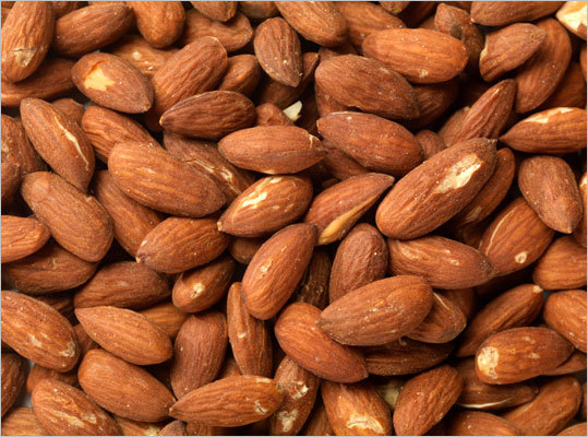 Nuts Eat about 1.5 ounces per day of any kind of nuts, including almonds, peanuts, and cashews.