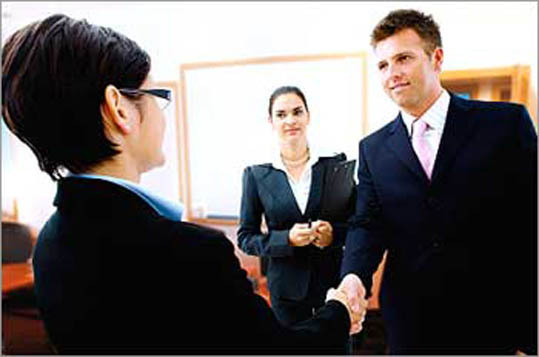 Stay confident Confidence is extremely important for negotiations. It makes the employee seem self-assured and eager to work at a company. Again, providing specific examples of what you've accomplished shows that you are proud of your work and abilities.