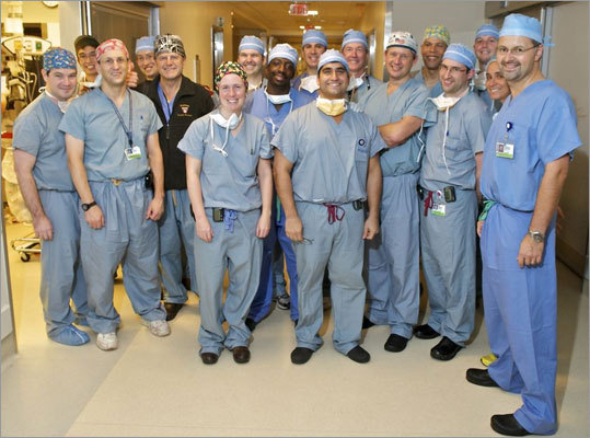 After the surgery, the entire team posed for a photo.