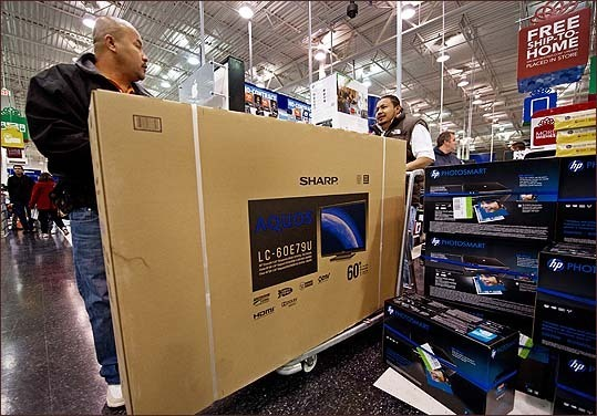 The Fair Lakes Best Buy store in Fairfax, Va., sold this 60-inch LCD TV to two customers who carted away the popular but unwieldy choice of purchases this year.