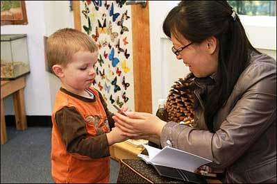 Chinese educators visit Montessori school