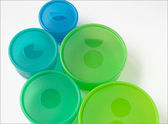 Portionware These colorful bowls have symbols on the lids, sides, and bottoms to show their corresponding serving sizes. For example, one circle is equal to one cup. The bowls have a fill line marked as well, so you know exactly when you've reached the designated measurement. Price: $29.99