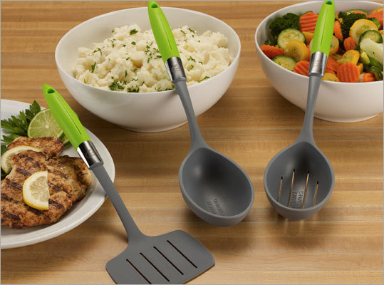 Measured serving spoons This serving spoon set allows you to measure out proper portion sizes using 1 scoop. The portion sizes are on the heads of the tools,so no one will know you are measuring. Price: $20.31