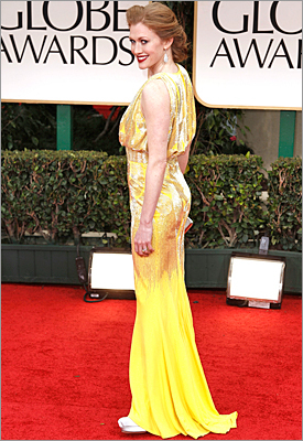 'The Killing' actress Mireille Enos in a Naeem Khan gown and regrettable red lipstick.