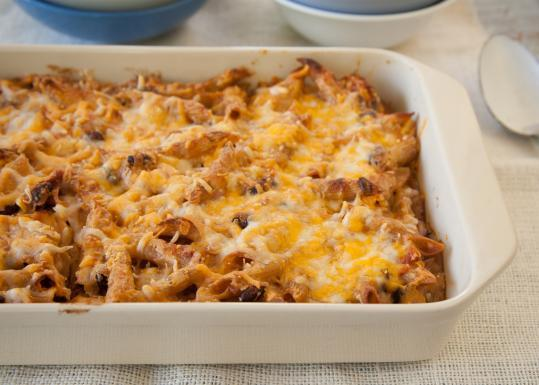 Vegetarian chilli mac and cheese
