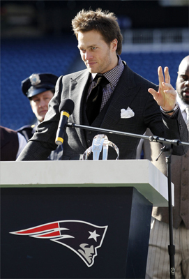 New England Patriots quaterback Tom Brady gestured as he spoke to the crowd during a Super Bowl send-off event.