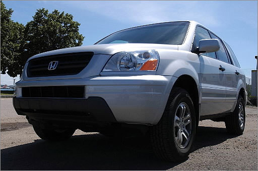 Low-beam headlights can fail on more than 550,000 Honda SUVs Date: March 30, 2012 Cars: 554,000 The headlight wiring switch can potentially fail and may cause the light to stop working on 2003 Pilot (pictured) 2002-2004 CR-V models. Crash risk increases with the loss of the low beam headlights. No incidents have been reported related to this issue, yet. The Honda CR-V is the most popular car in New England.