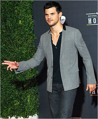 'Twilight' saga actor Taylor Lautner arrived for the Inaugural National Football League Honors.
