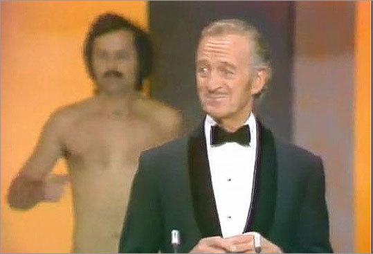 Oscar streaker