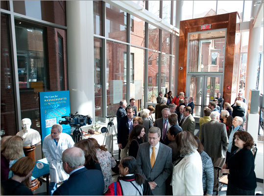 On April 10, the Paul S. Russell, MD, Museum of Medical History and Innovation held a ribbon-cutting to launch and celebrate the museum's opening. The Russell Museum will be open to the public weekdays 9 a.m. and 5 p.m. beginning April 17.