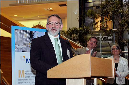 Founders and employees from new local start-ups and companies headed to Genzyme in Cambridge on April 26 for MassEcon's Fourth Annual Corporate Welcome Reception. Companies with representatives at the event included Wegmans, Hadapt, and Japan Airlines. Pictured: Fred Mulligan, chairman of MassEcon, introduced the honored companies, with special guest Greg Bialecki, Massachusetts secretary of housing and economic development, and Susan Houston, executive director of MassEcon.