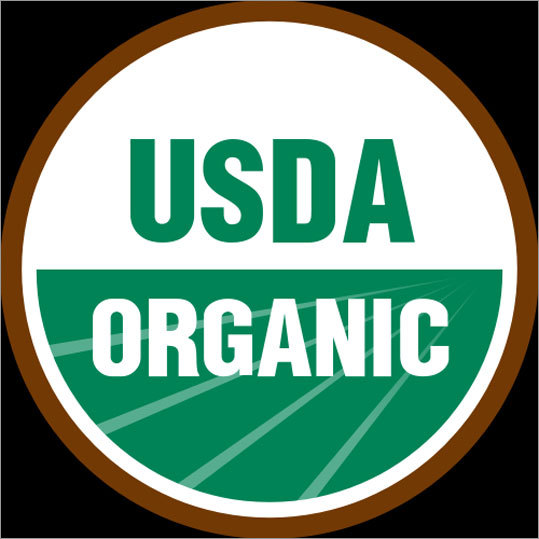 "How can you tell if the food is organic? You can identify organically produced foods in your supermarket by looking for the USDA Organic seal. Foods that display this seal must contain at least 95 percent organic ingredients. If the food boasts that it is ""made with organic ingredients,' the item must contain at least 70 percent organic ingredients."