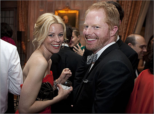 Elizabeth Banks and Jesse Tyler Ferguson